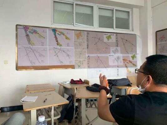 建筑与规划学院开展年级开放式评图活动