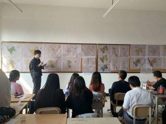 建筑与规划学院开展年级开放式评图活动1
