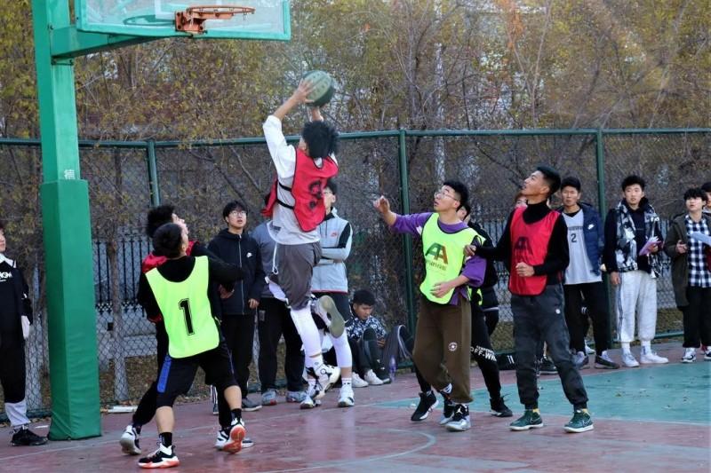 1建筑与规划学院开展篮球友谊赛-校园文化 (1)
