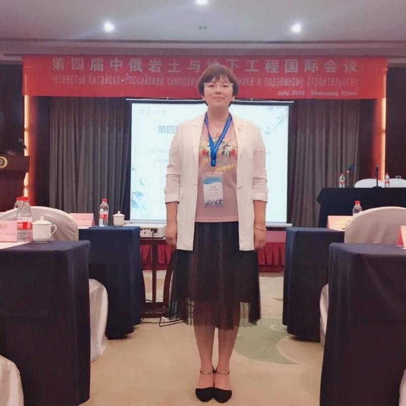 土木工程系+道路桥梁与渡河工程专业+赵中华照片横版