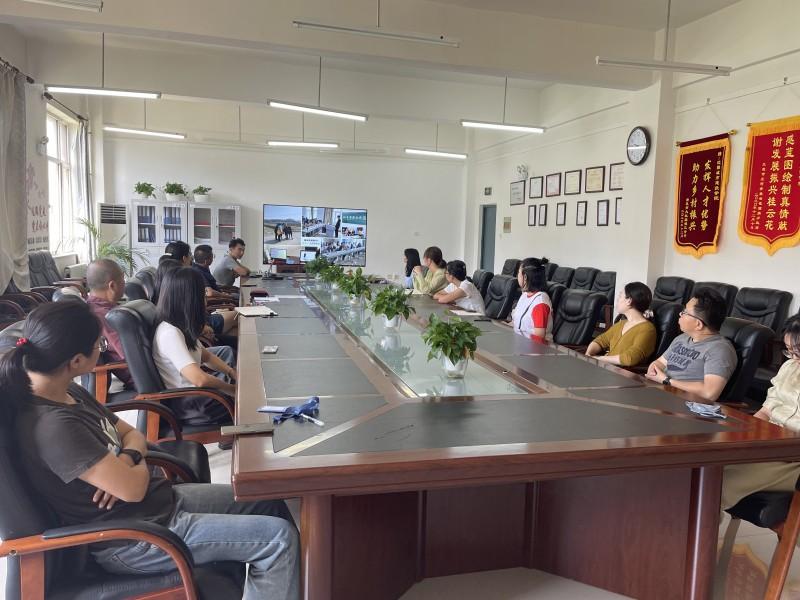 5、建筑与规划学院召开城乡规划设计研究中心主任换届选举大会