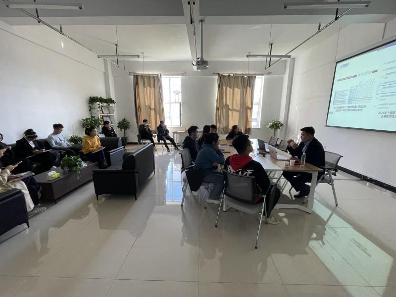 8、就业指导处召开上海建工五建集团东北公司专场招聘会 (2)